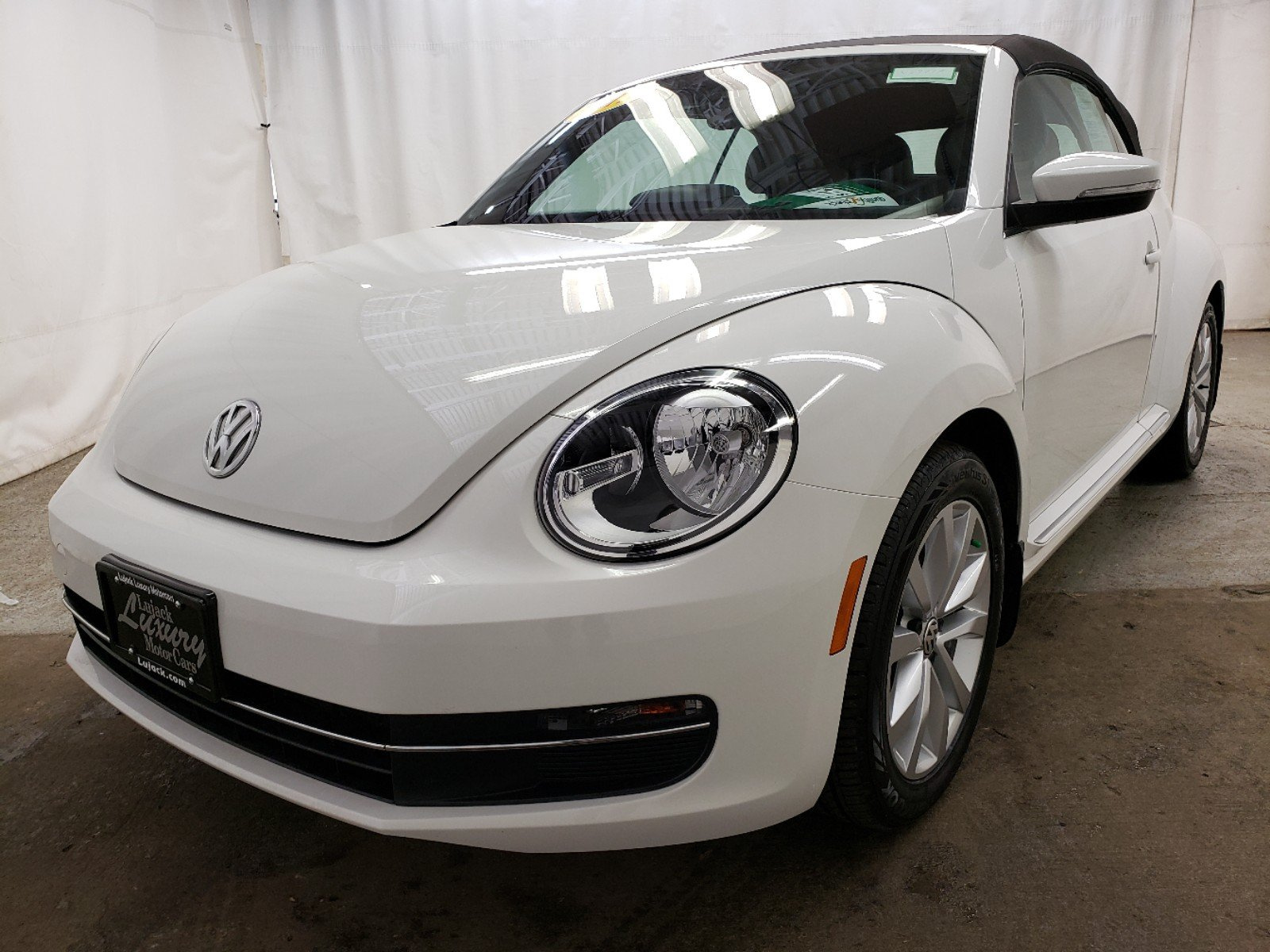 Certified Pre-Owned 2013 Volkswagen Beetle Convertible 2.0 TDI