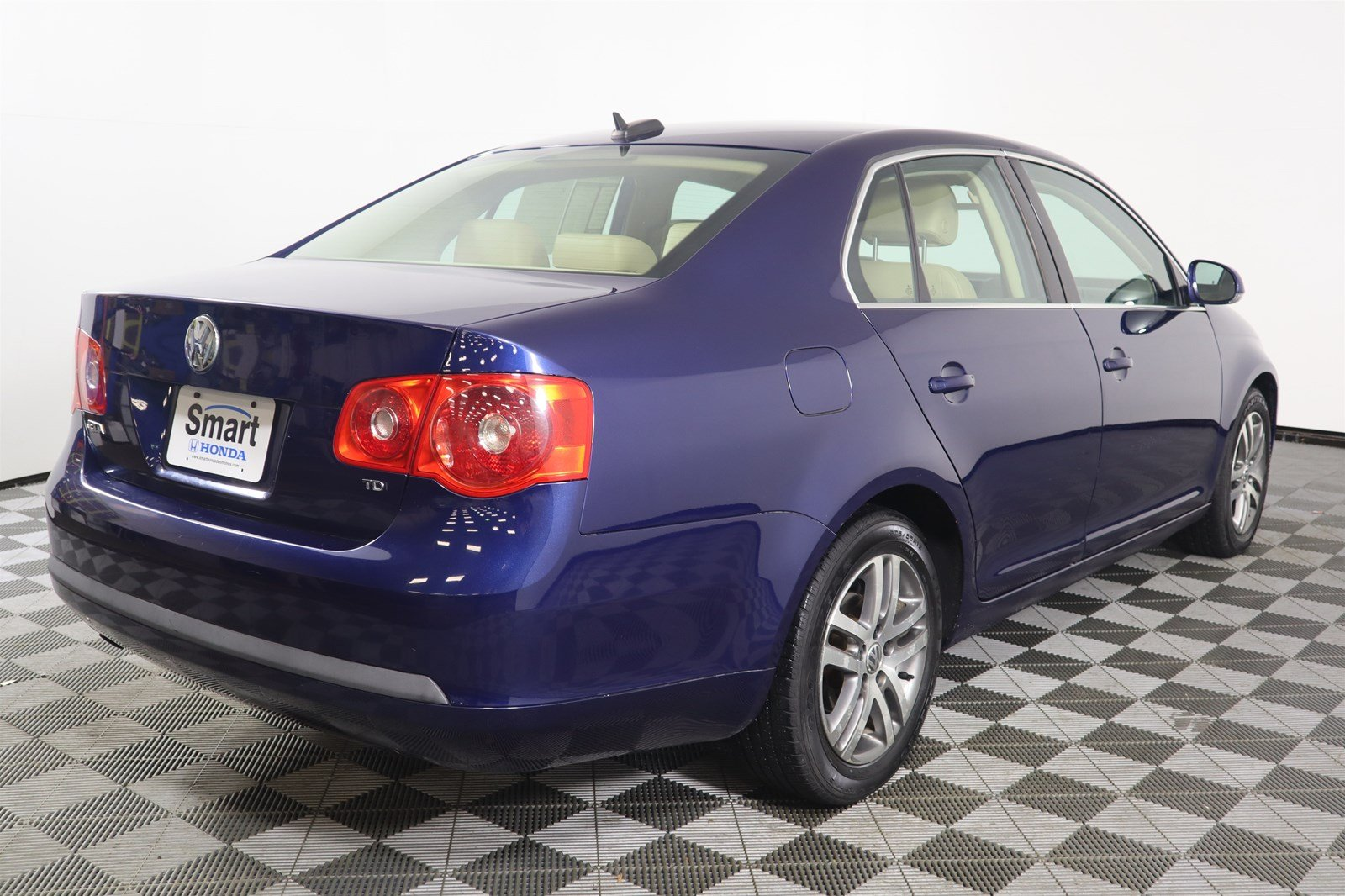 Pre-Owned 2006 Volkswagen Jetta Sedan 1.9L TDI