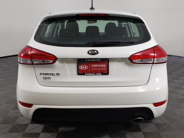 Certified Pre-Owned 2017 Kia Forte5 LX
